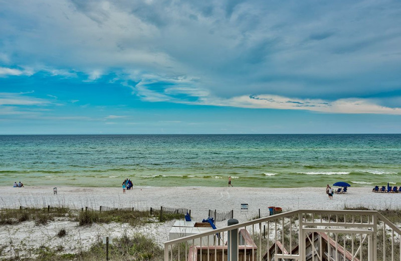 Pristine Beaches Clear Waters And Immaculate Al Properties Make The Emerald Coast A Prime Location For Destination Weddings