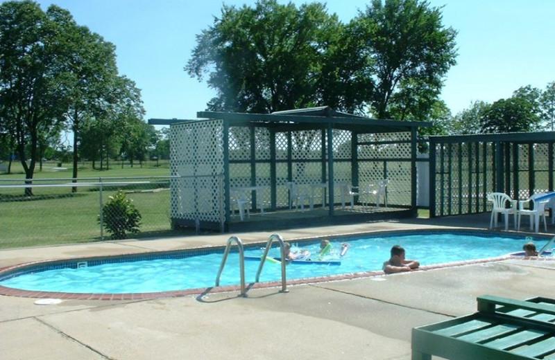 Outdoor pool at Pelican Landing Resort & Campground.