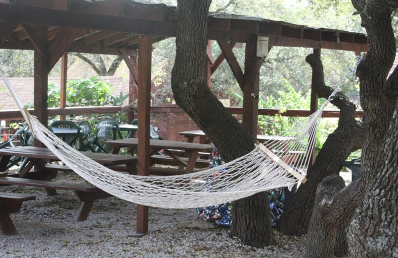 Relax at Canyon Lake Cabins & Cottages