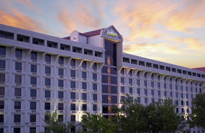 Exterior view of Radisson Hotel Branson.