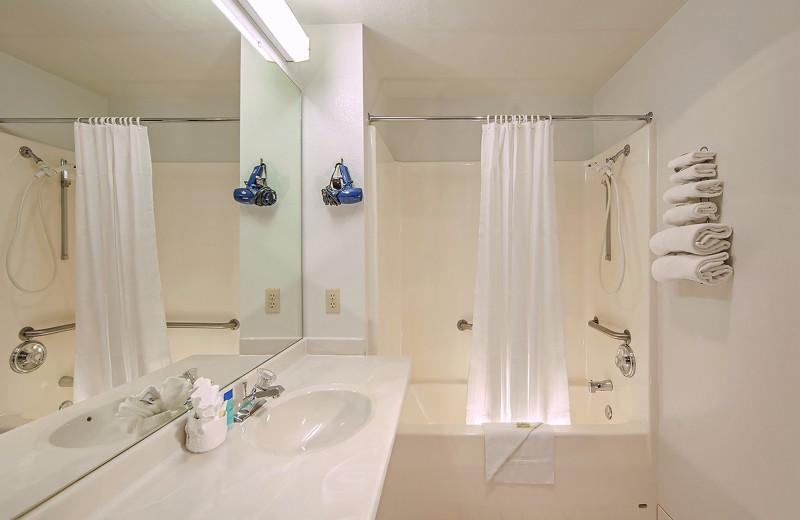 Guest bathroom at Alakai Hotel & Suites.