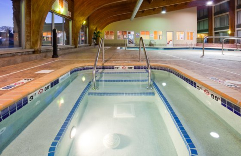Indoor swimming pool at Holiday Inn Detroit Lakes.