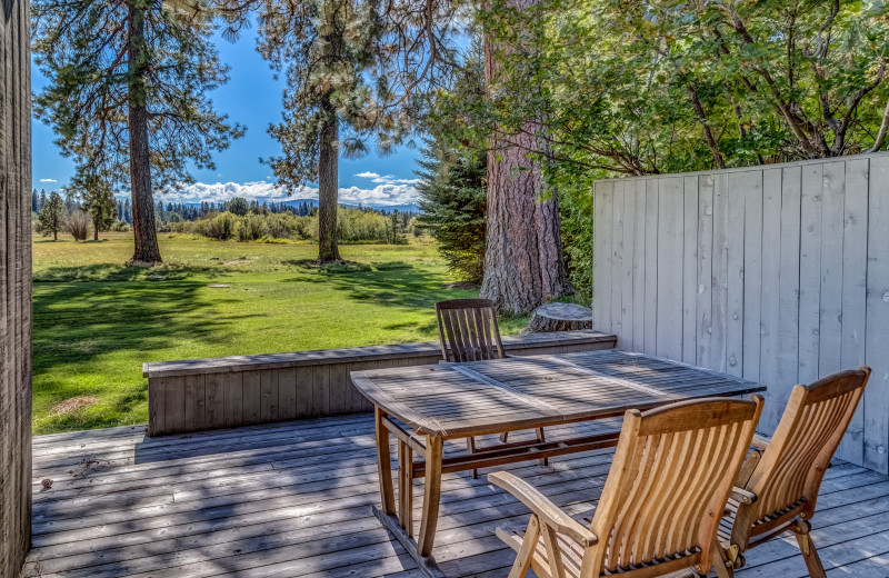 Guest patio at Black Butte Ranch.