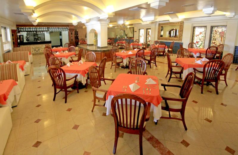 Dining at Holiday Inn Monclova.