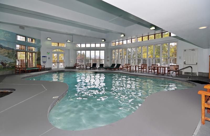 Indoor pool at Lakeside Lodge & Suites.