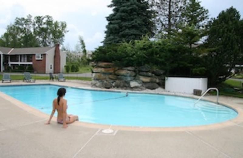 Outdoor Pool at Yankee Inn