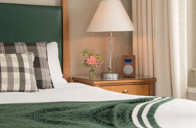 Guest room at Hanover Inn Dartmouth.