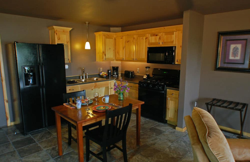Guest kitchen at Beaver Lakefront Cabins.