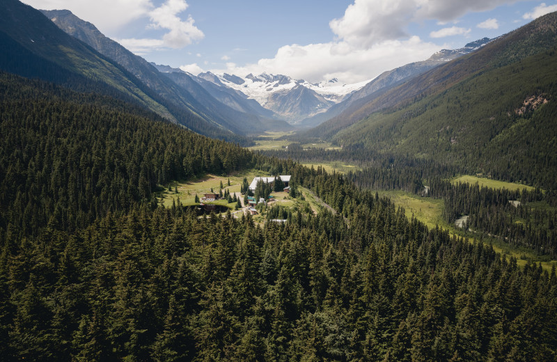 Aerial view of CMH Cariboos Lodge.