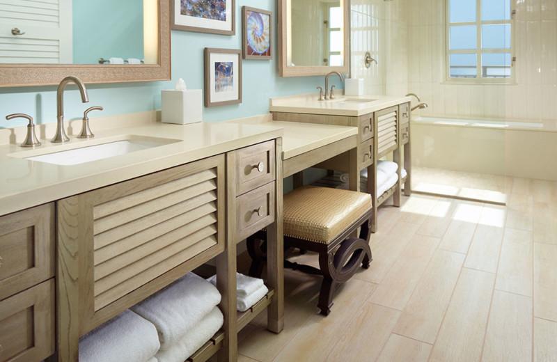 Guest bathroom at Omni Amelia Island Plantation.