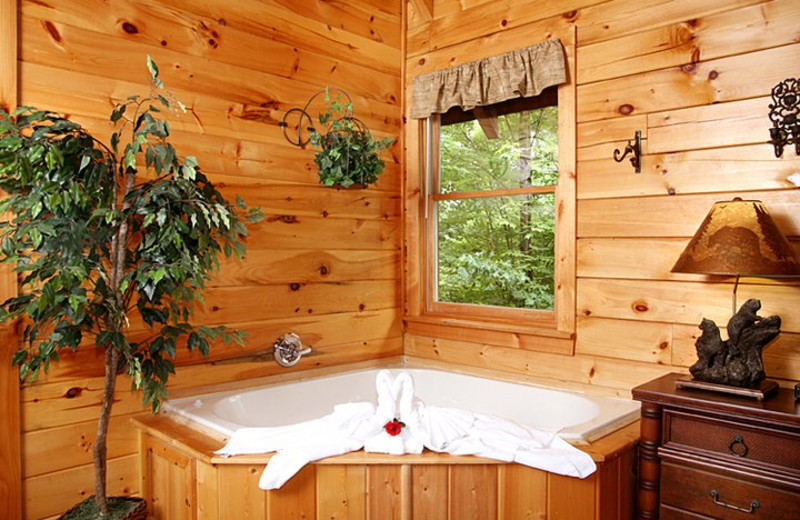 Rental jacuzzi at Jackson Mountain Homes.