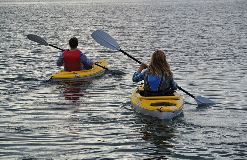 Kayaking at Upper Cullen Resort.