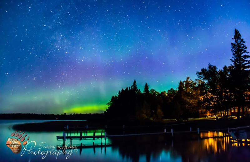 Northern lights at Bear Paw Resort.