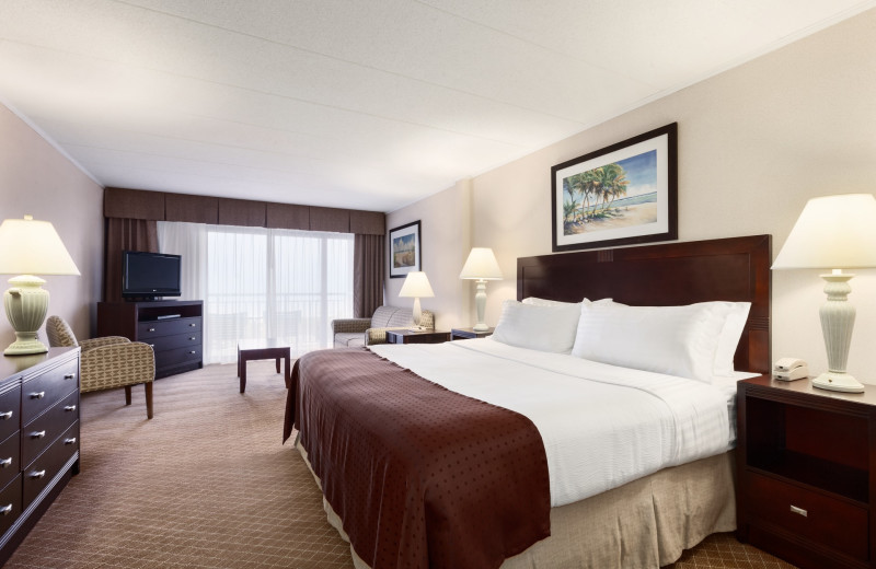 Guest room at Holiday Inn Oceanfront Ocean City.