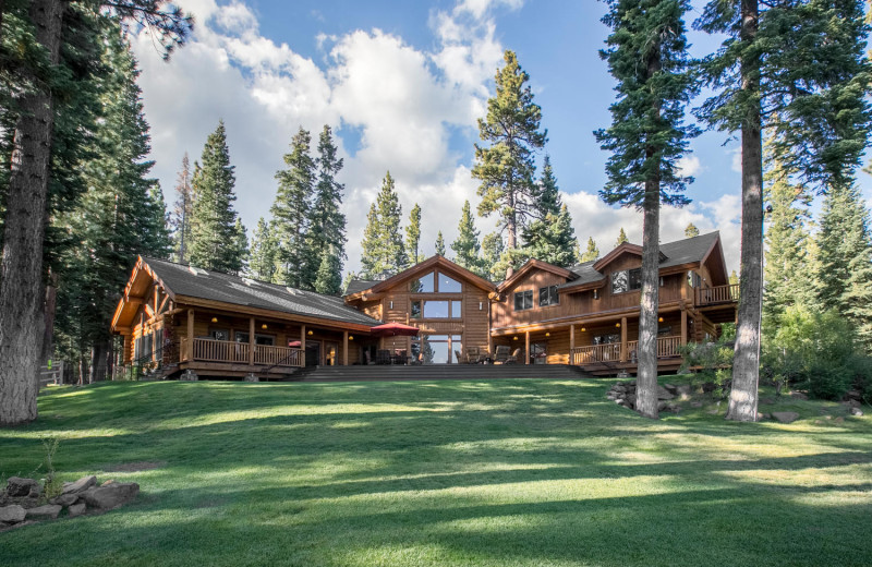 Rental exterior view of Tahoe Getaways.