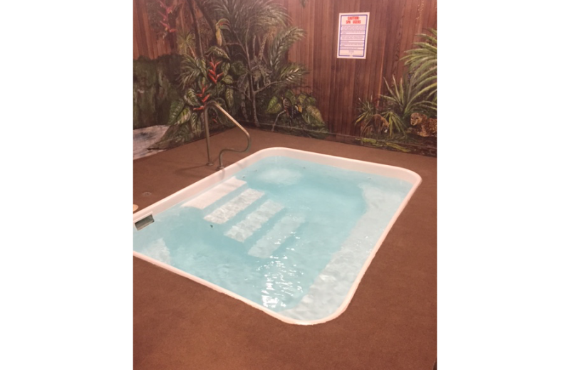 Hot tub at Lift House Lodge.