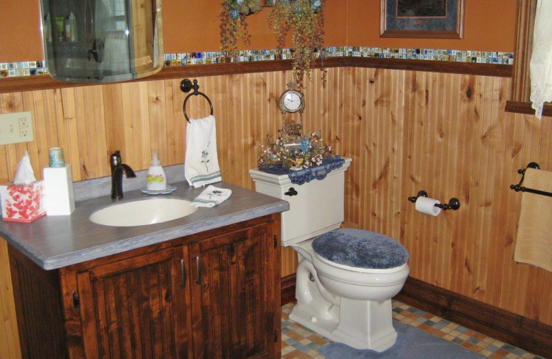 Bathroom at Country Haven B&B.