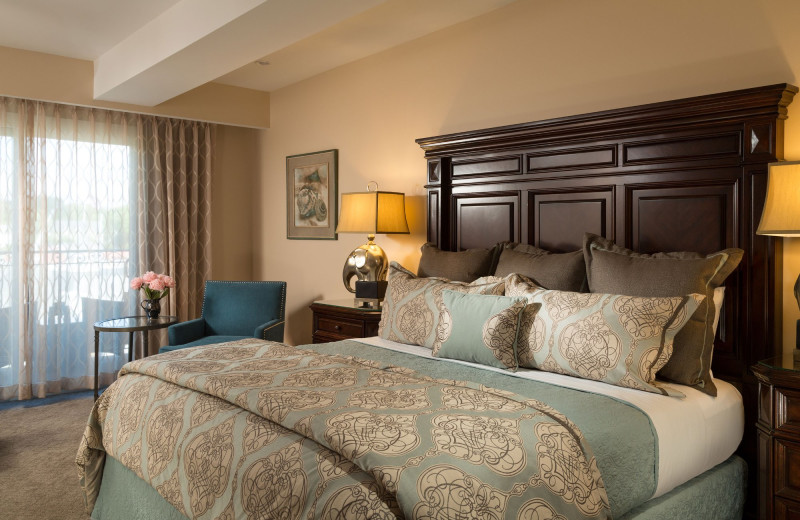 Guest room at 16 Bay View.