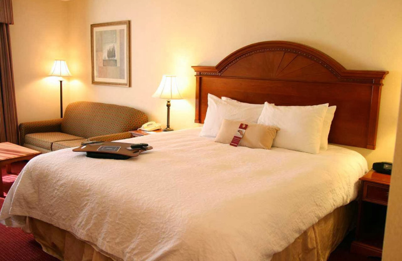 Guest room at Hampton Inn Jim Thorpe/Lehighton.