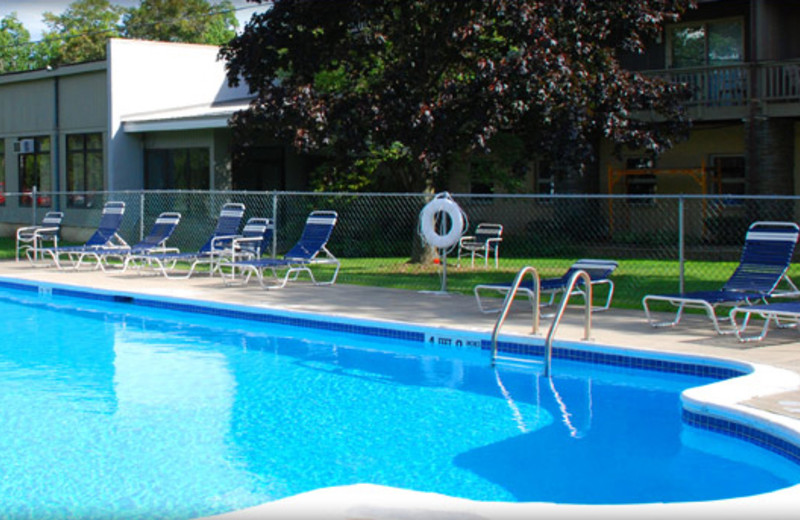 Outdoor pool at Thunderhart Golf Course.