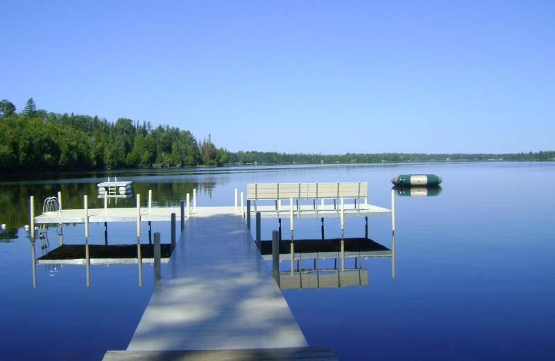 The dock at Timber Bay Lodge & Houseboats.