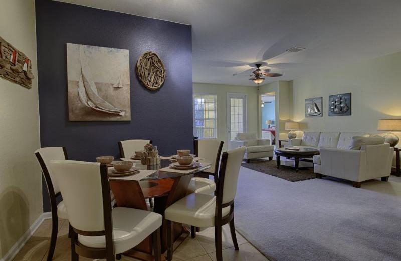 Rental living room at Vista Vacation Rentals.
