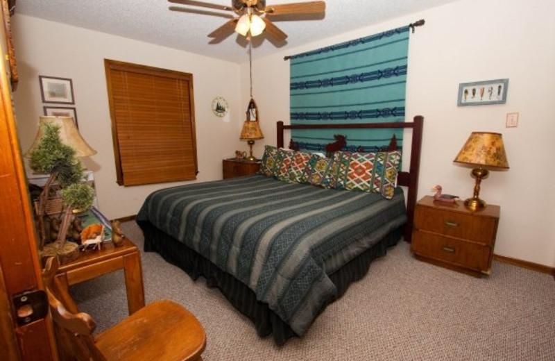 Guest bedroom at Mill Creek Inn & Golf Club.