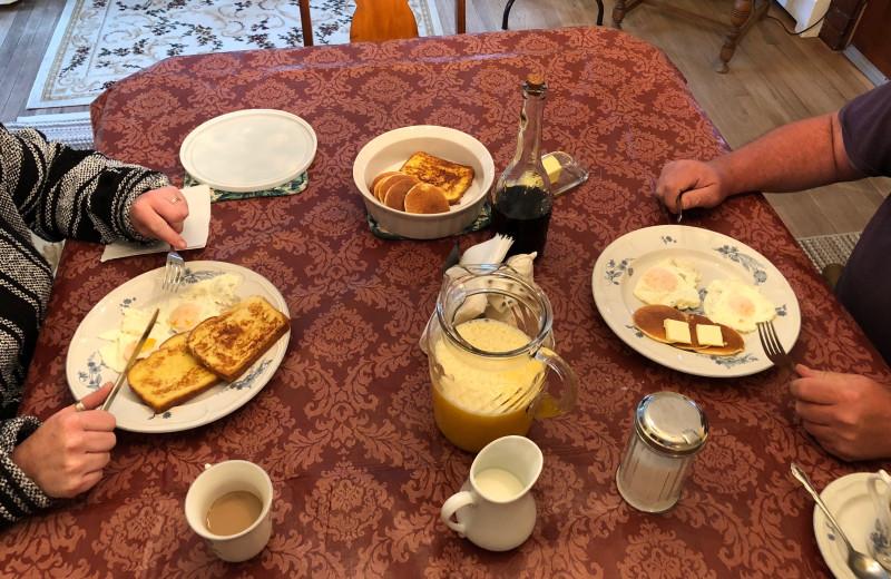 Breakfast at Antique Rose Inn.
