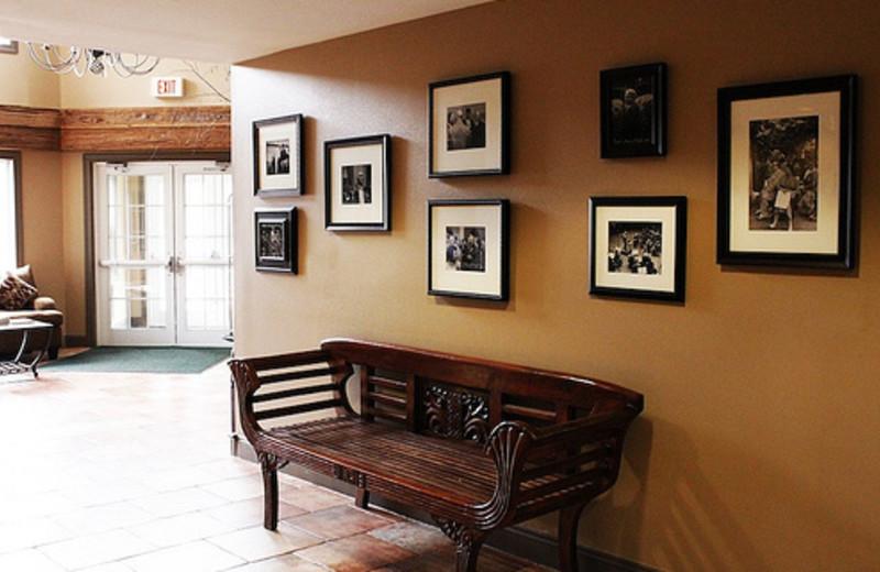 Lobby Area at Yankee Inn