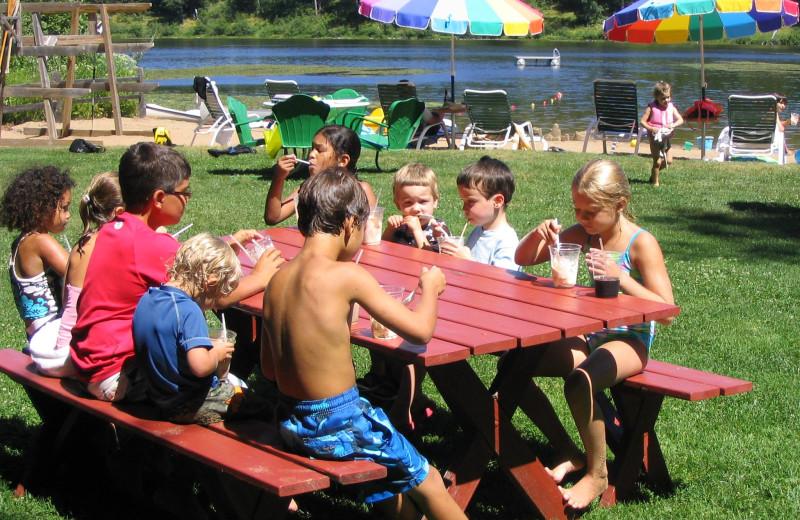 Family activities at Lost Lake Lodge.