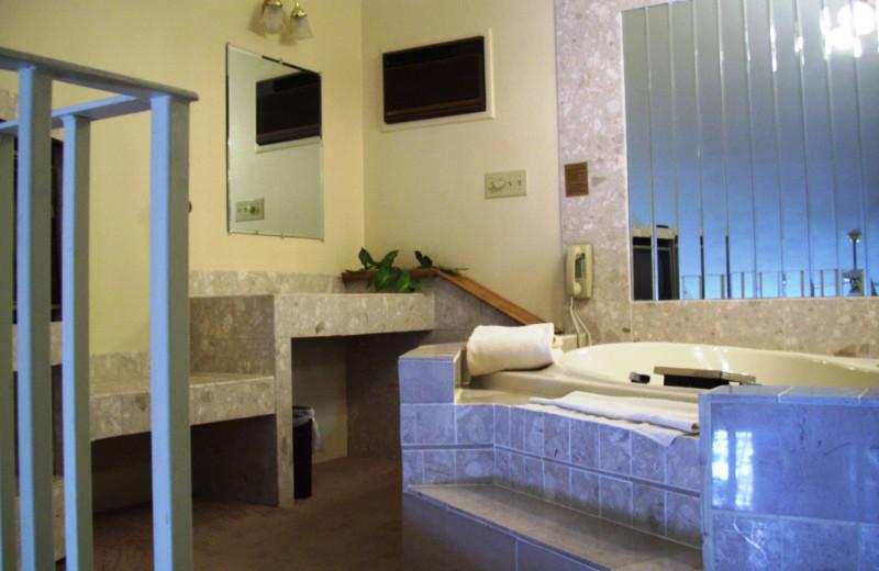 Hot tub at The Riveredge Resort.