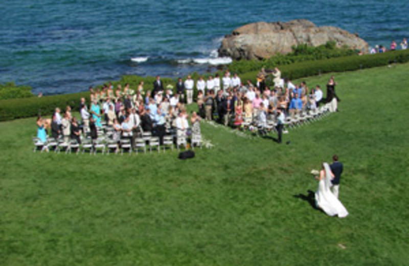 Outdoor Wedding at Beachmere Inn