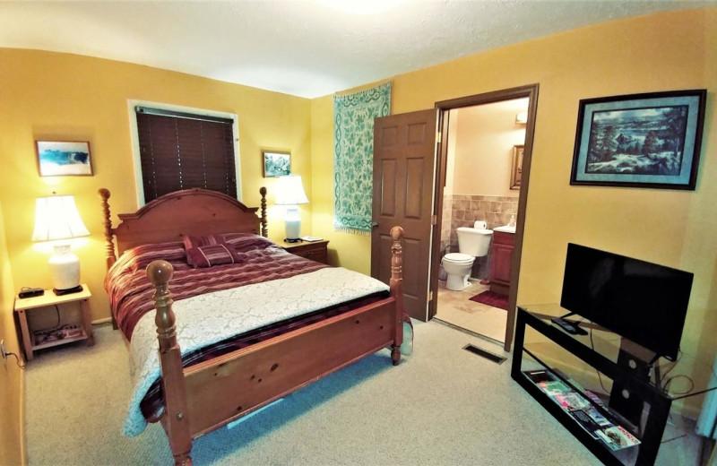 Rental bedroom at Allstar Lodging.
