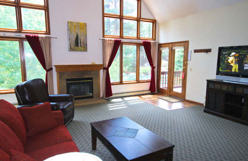 Guest living room at Boulder Brook on Fall River.