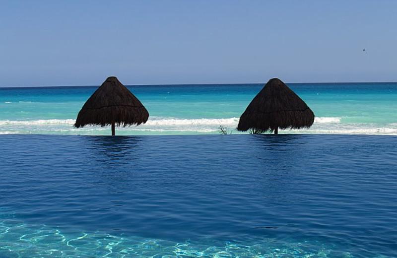Pool at Bay View Grand Cancun.
