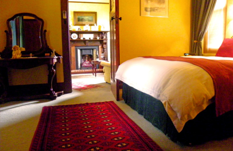 Guest room at Marble Lodge Luxury Bed & Breakfast.
