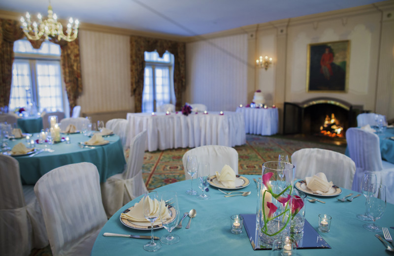 Wedding reception at The Spa at Norwich Inn.