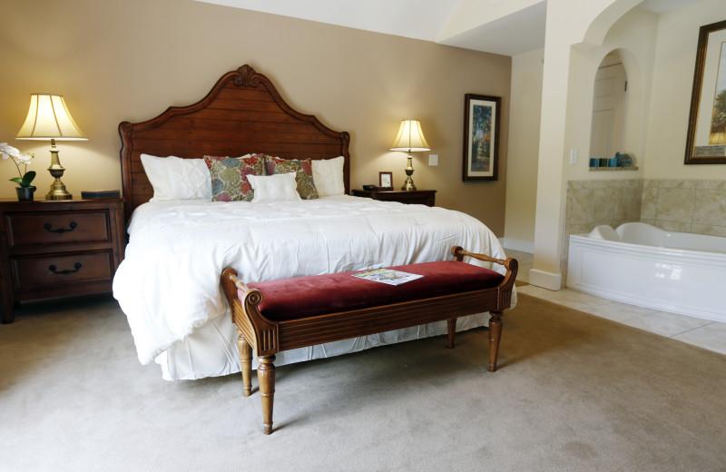 Guest room at King's Creek Plantation.