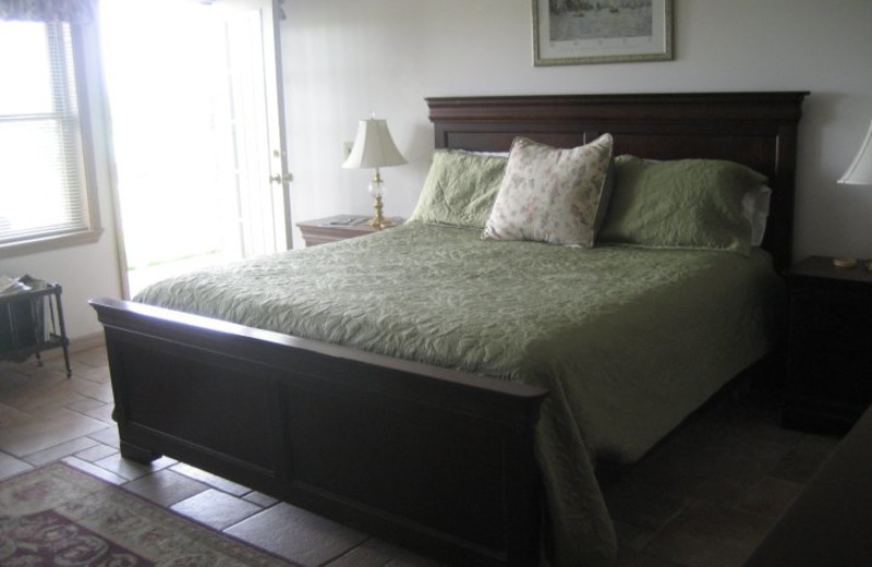 Guest bedroom at Seneca Springs Resort.