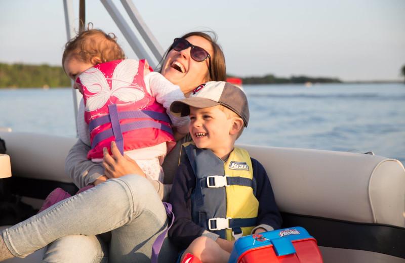Family boating at Lost Lake Lodge.