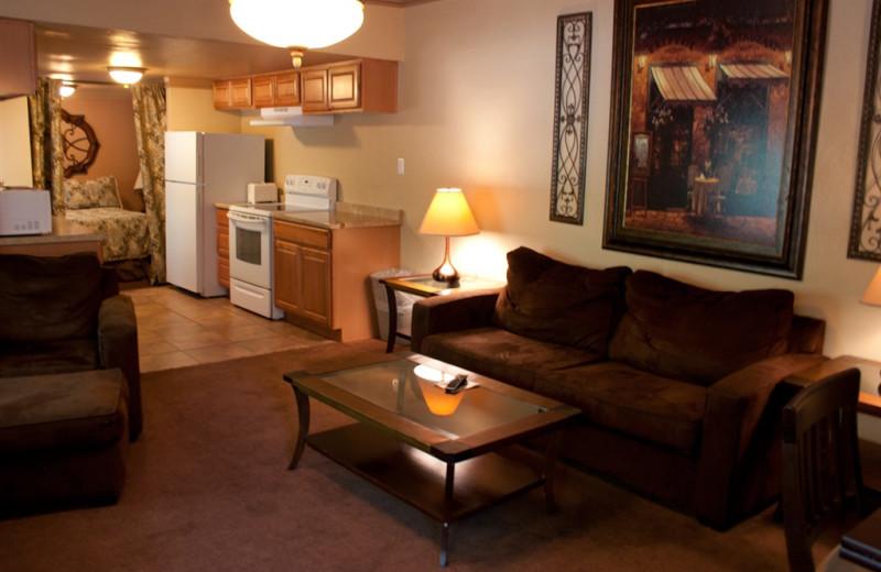 Guest living room at Old Creek Resort.