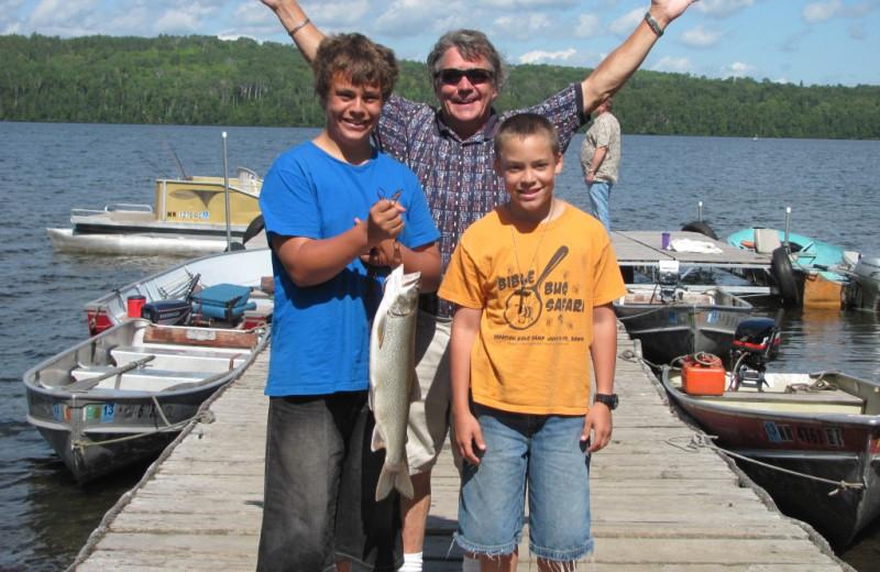 Family fishing at Trout Lake Resort.