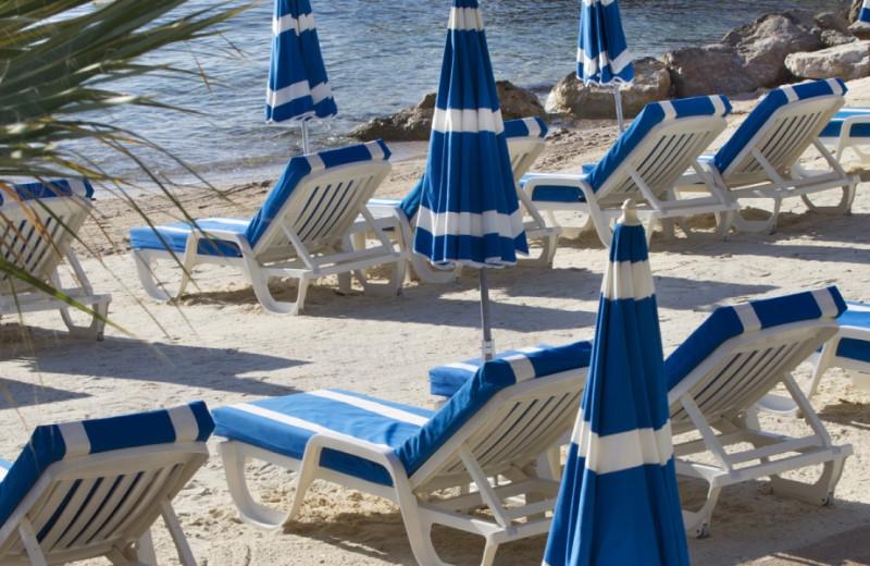 The beach at Hotel Royal Riviera.