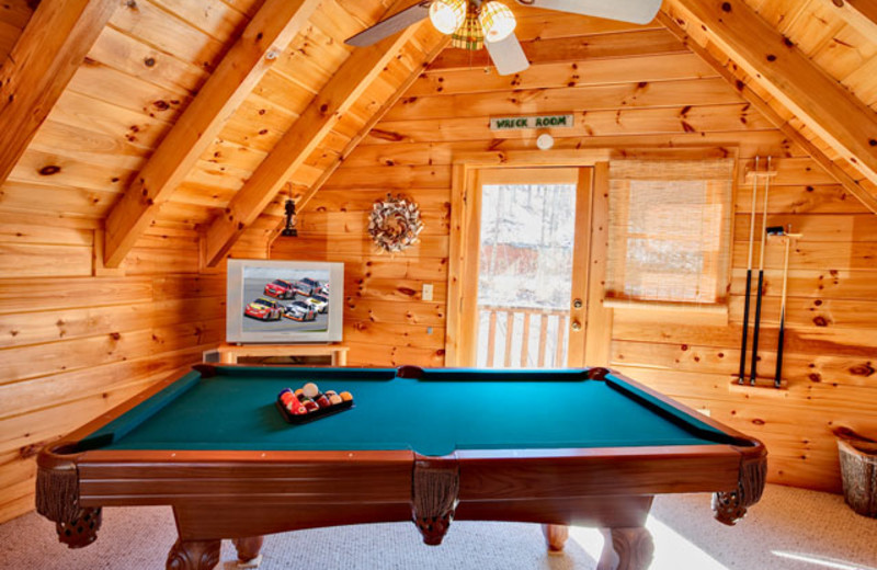 Pool table at Alpine Mountain Chalets.