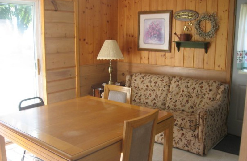 Cabin interior at Wil-O-Wood Resort.