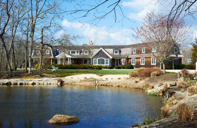 Exterior view of Pondview At Deerfield.