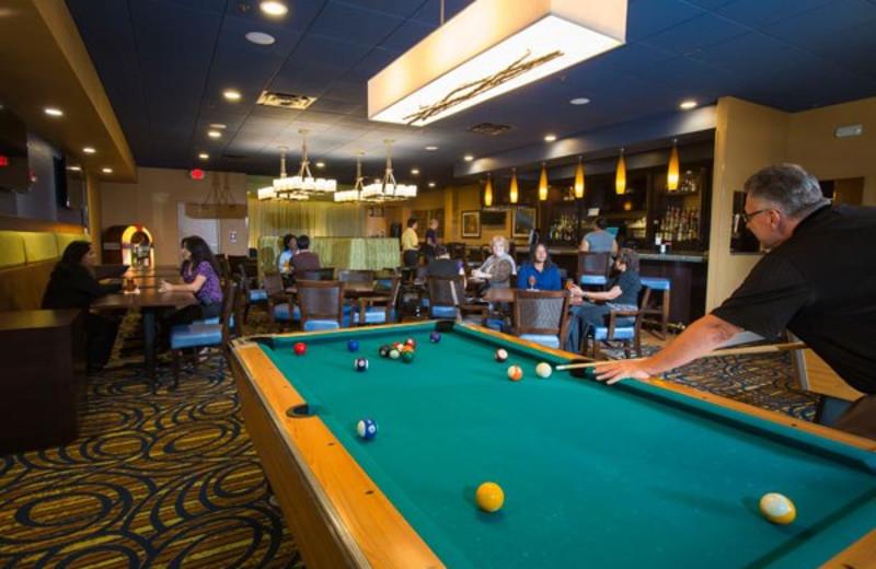 Game room and bar at Rosen Inn International.
