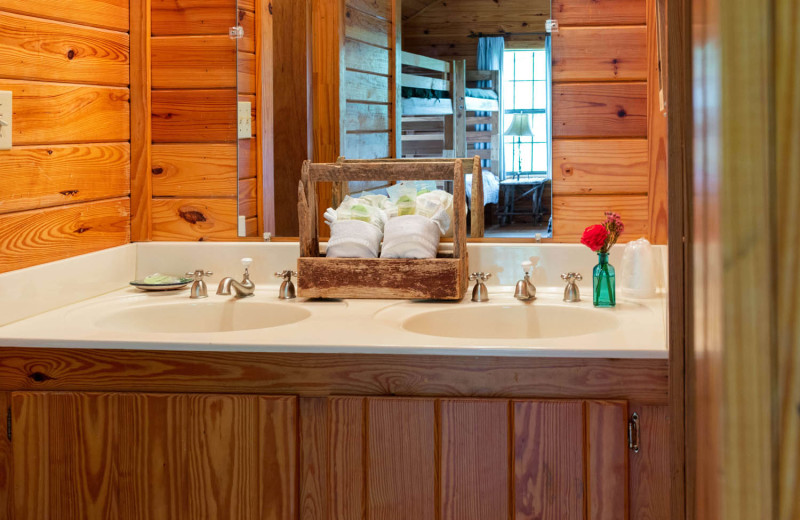 Guest bathroom at The Retreat at Balcones Springs.