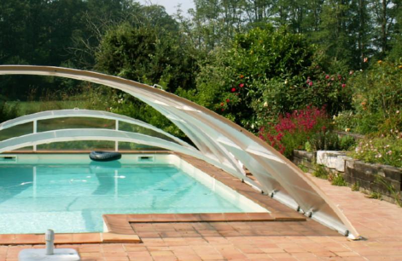 Outdoor pool at Jouandassou.