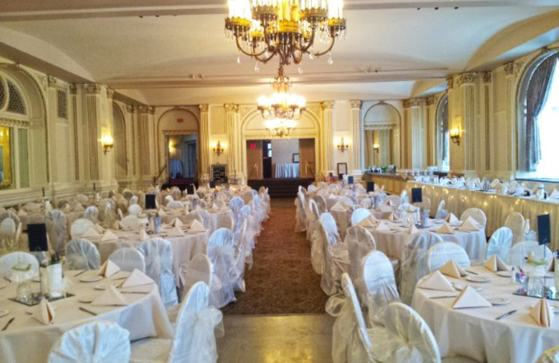 Weddings at The Astor Hotel